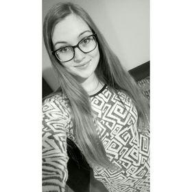 Edina Serfőző