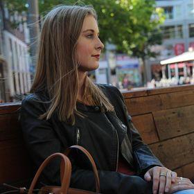 Suzanne-Elisa