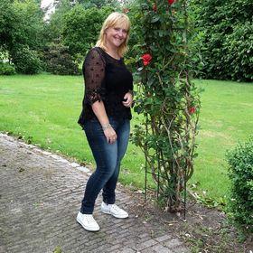 Anja Versteegh