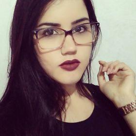 Larissa Pinheiro