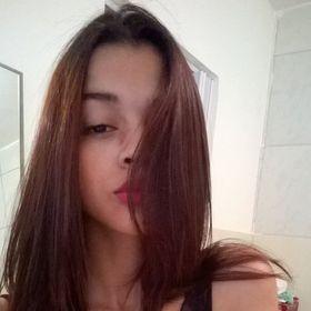 Natalye Rwose (natalylemosdossantos) on Pinterest aa12dcb23a
