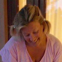 Elina Karhusaari