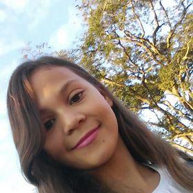 Júlia De Souza Lauriano