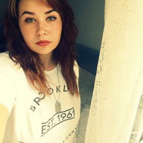 Andreea Thira