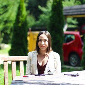 Andreea Mary