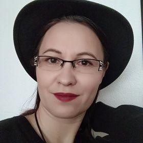 Erika Bobela