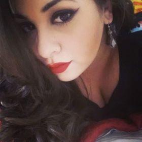 Glamour In my vanity | Beauty Blogger, Entrepreneur + Blogging Tips
