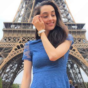 Dani   Disney & Travel Blogger