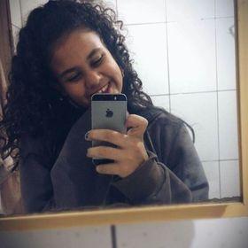 Clara Rezende