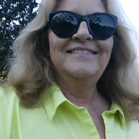 Carol Earhart