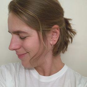 Anne Zuckermoment