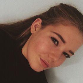 Lara Hoven