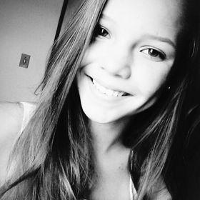Laura Bastos