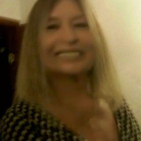 Yasmin Mello