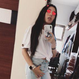 Valeria Leal Flores