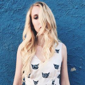 Elise Richard || Caturday Style