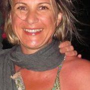 Gloria Villaraviz
