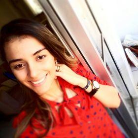 Juliana Linhares
