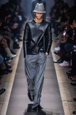 Dunhill Fall 2019 Menswear Fashion Show Collection: See the complete Dunhill Fall 2019 Menswear collection. Look 17