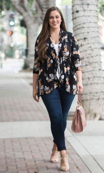 30 Pretty Plus Size Outfits you should try - curvyoutfits.com