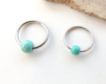 Turquoise perlée Cartilage boucle d'oreille, boucles d'oreilles Cartilage, Body Piercing bijoux, boucle d'oreille Tragus Rook Helix, CBR anneau de Cartilage. 511