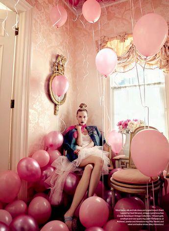 pink balloons always! Love this shot from @ellecanada September 2015