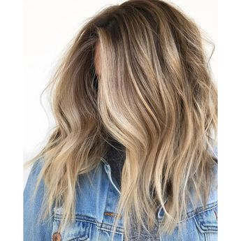 """Balayage """"Singles""""—The Technique For Natural Summer Blondes"""