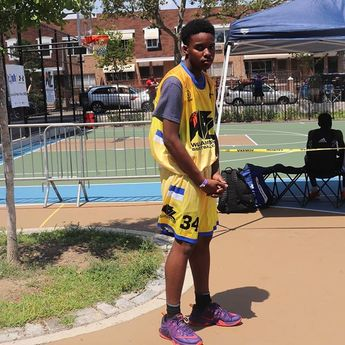 #bball #fbf #williamsburg #basketball #league #tournament #streetball #trophy #sports  #bball #fbf #williamsburg #basketball #league #tournament #streetball #trophy #sports #basketballgame #workout #shooting #shoothoops #nyc #family #courts #brooklyn #draft #wbl #tbt #2019 #summer #explore #donate #communityovercompetition