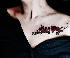 426052f943d02 30 Sexy And Charming Shoulder Tattoo Designs For Women - Page 18 of 30