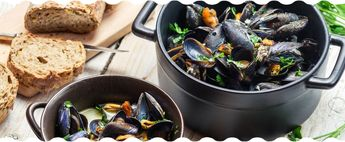 This is a great mussels recipe for beginners, this takes about five minutes and will blow your mind!  Cook our Maine mussels in white wine and garlic recipe at hoome.