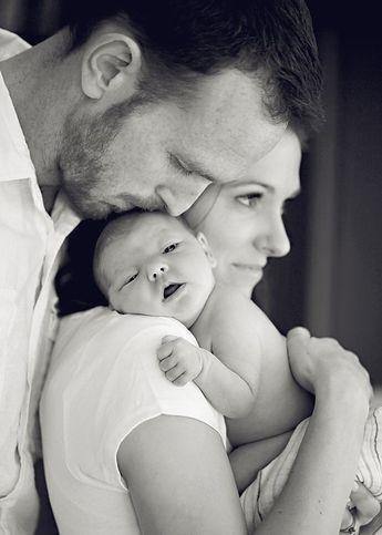 Anne Baba ve Bebek İlişkisi