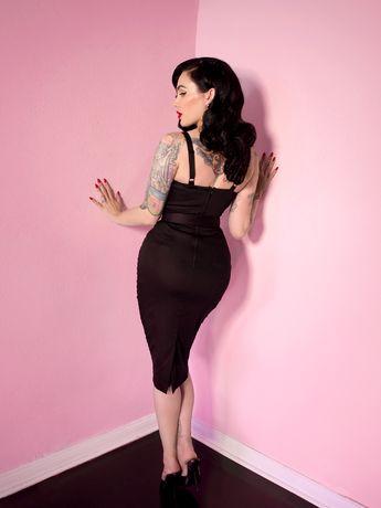 Sweetheart Wiggle Dress in Raven Black