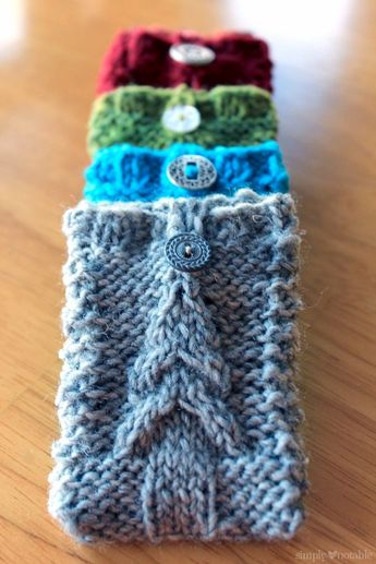 Free knitting pattern: Christmas Tree Gift Card-igans by Simply Notable