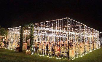 Ideia bacana para casamento: uma tenda iluminada! O que acharam?  Autoria: @signatureweds Via: @thebalibride #ideiasdiferentes  Confiram @obraeestilo #grupojsmais