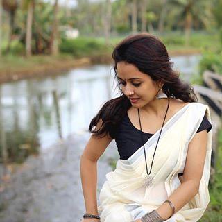 #onam #treditional #kerala #black #saree #loveislove #malayalam #kottayam #puthupally #trivandrum #mookuthi @minu.jacob ❤️