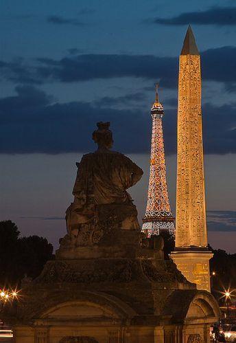 Place de la Concorde - Paris 8e                                                     (Une perspective Parisienne classique)