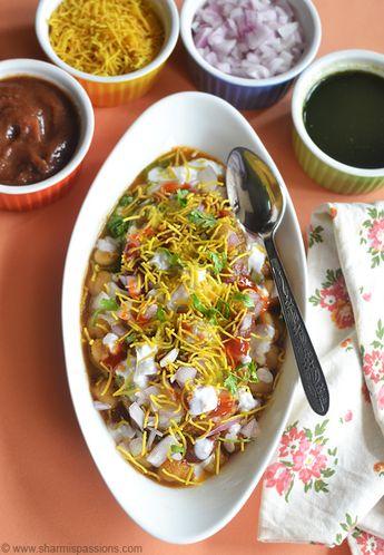 Aloo Tikki Chaat Recipe - Aloo Tikki Chole Dahi Chaat