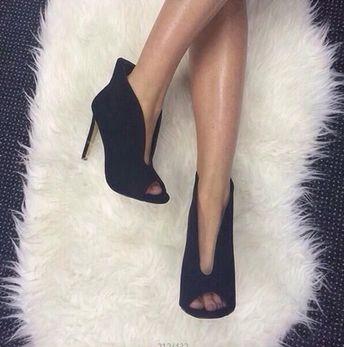bbb8813f6c4 Модерни дамски обувки отворени с средно нисък-висок ток в два цвята -