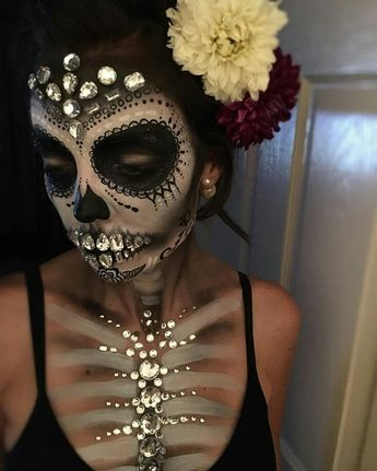 50 Halloween Ideas For 2019 - Halloween Decor And Costumes #halloweenmakeup