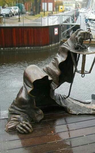 What an amazing statue.