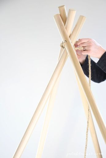 Diy Home : Easy step-by-step tutorial to make a no sew teepee in less than an hour!...