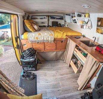 """Du rêve dans les étoiles"" #vanlife #campervan #van #camionamégané #campingcar #roadtrip #ontheroad #evasion #nomade #nomadlife #slowlife"