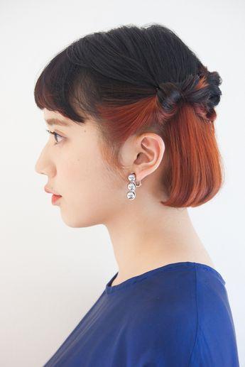 シュワルツコフオンライン 鮮やかでプレイフルなカラーをファッションとヘアで演出。 - ヘアカタログ