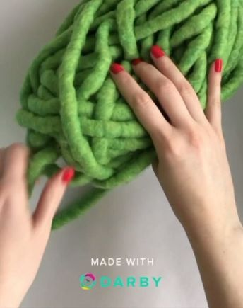 Get the Chunky Yarn This Way to Make Your Own rug. Shared by Career Path Design