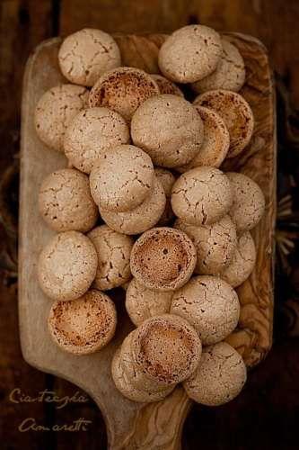 Amaretti Macaroons