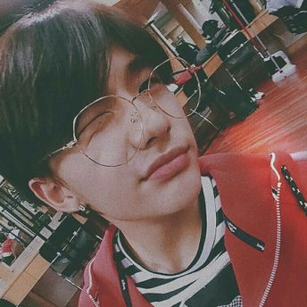 List of attractive hyunjin ulzzang material ideas and photos