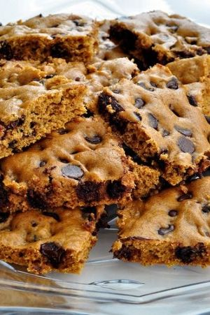 Healthy pumpkin chocolate chip brownies- I used almond flour. Subbed oil for butter, plus extra. I doubled the pumpkin and added oats. I also scooped them out to make cookies instead of brownie.