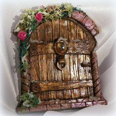 Fairy door polymer clay swap-door created by Ilenia Moreni of Italy for me