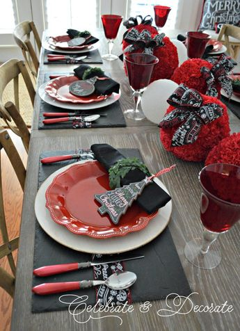 A Holiday Tablescape for Christmas
