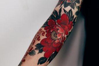 Obligé, tu vas te prendre de passion pour les tatouages rouges avec ces 30 superbes dessins flamboyants